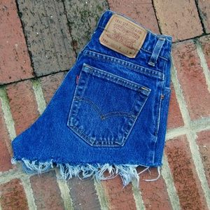 Vintage High Waisted 550 Levi Jean Shorts
